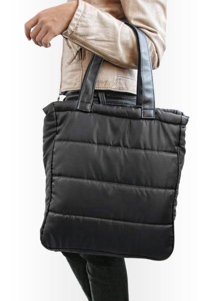 244e85e9d793 Конечно, без дополнительных пояснений понятно, что дутые сумки – это не летний  вариант и их не стоит носить с маечкой и шортами или с легким сарафаном.